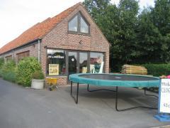 Voor 100 % van de aandelen over te nemen bedrijf voor toebehoren veeteelt en melkkoeien te West-Vlaanderen West-Vlaanderen n°6