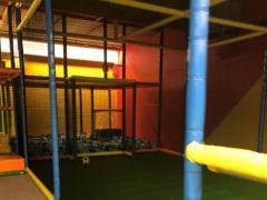 Voor kinderen speelplaats*terrein over te nemen dichtbij centrum van Charleroi Henegouwen n°1